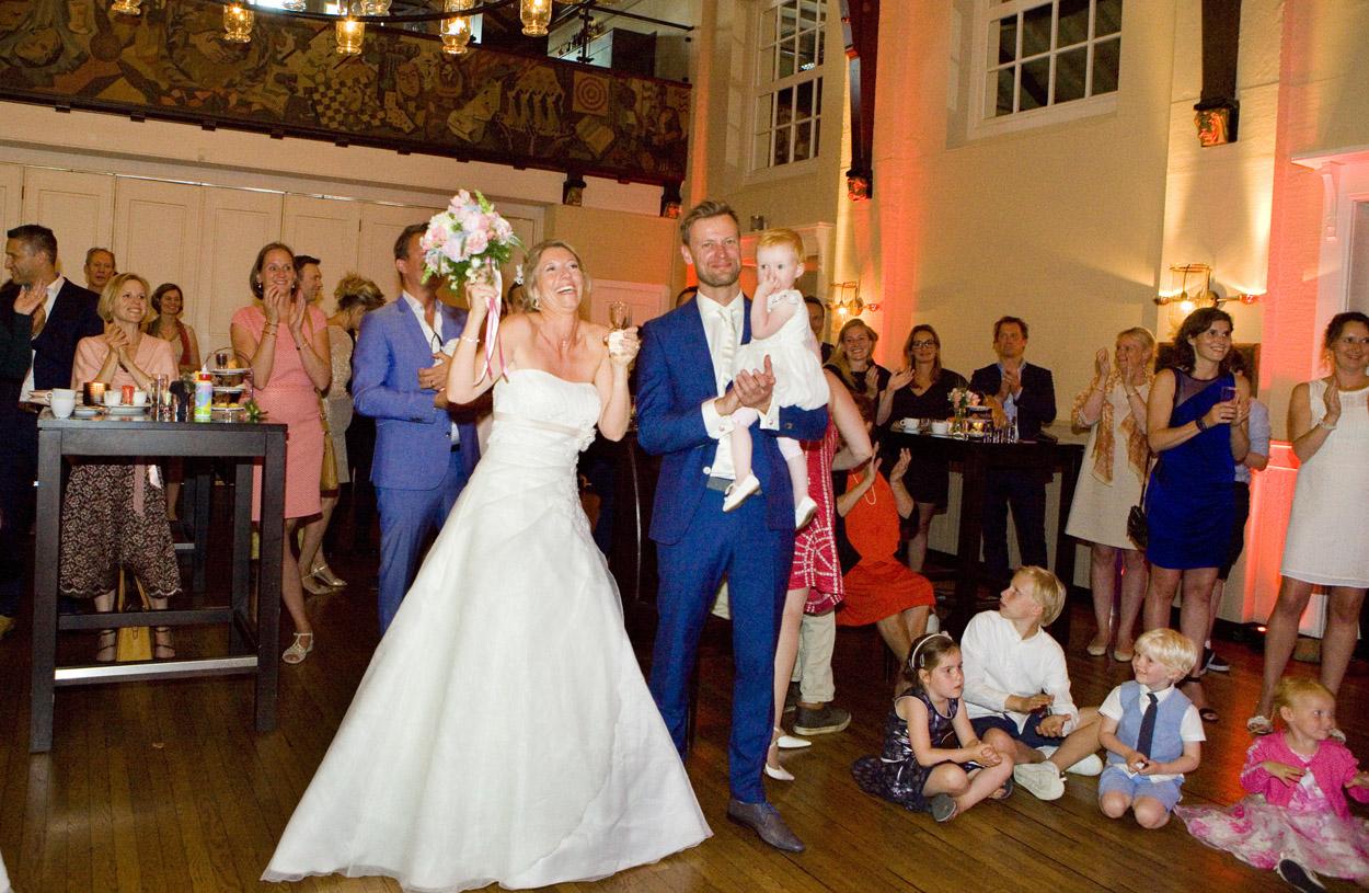 Bruidsfotografie bruiloft bruidspaar kinderen trouwfeest De Lindenhof Delft