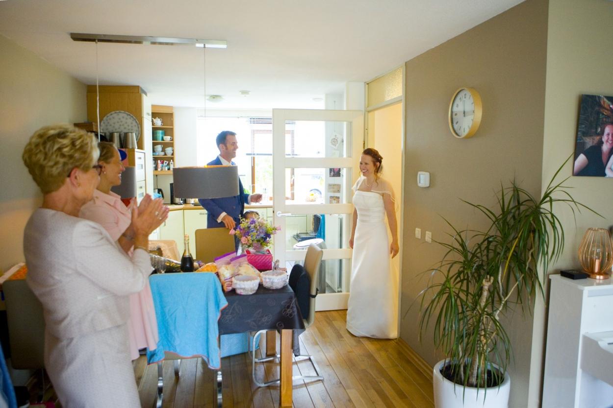 Bruidsfotografie bruiloft bruid entrée
