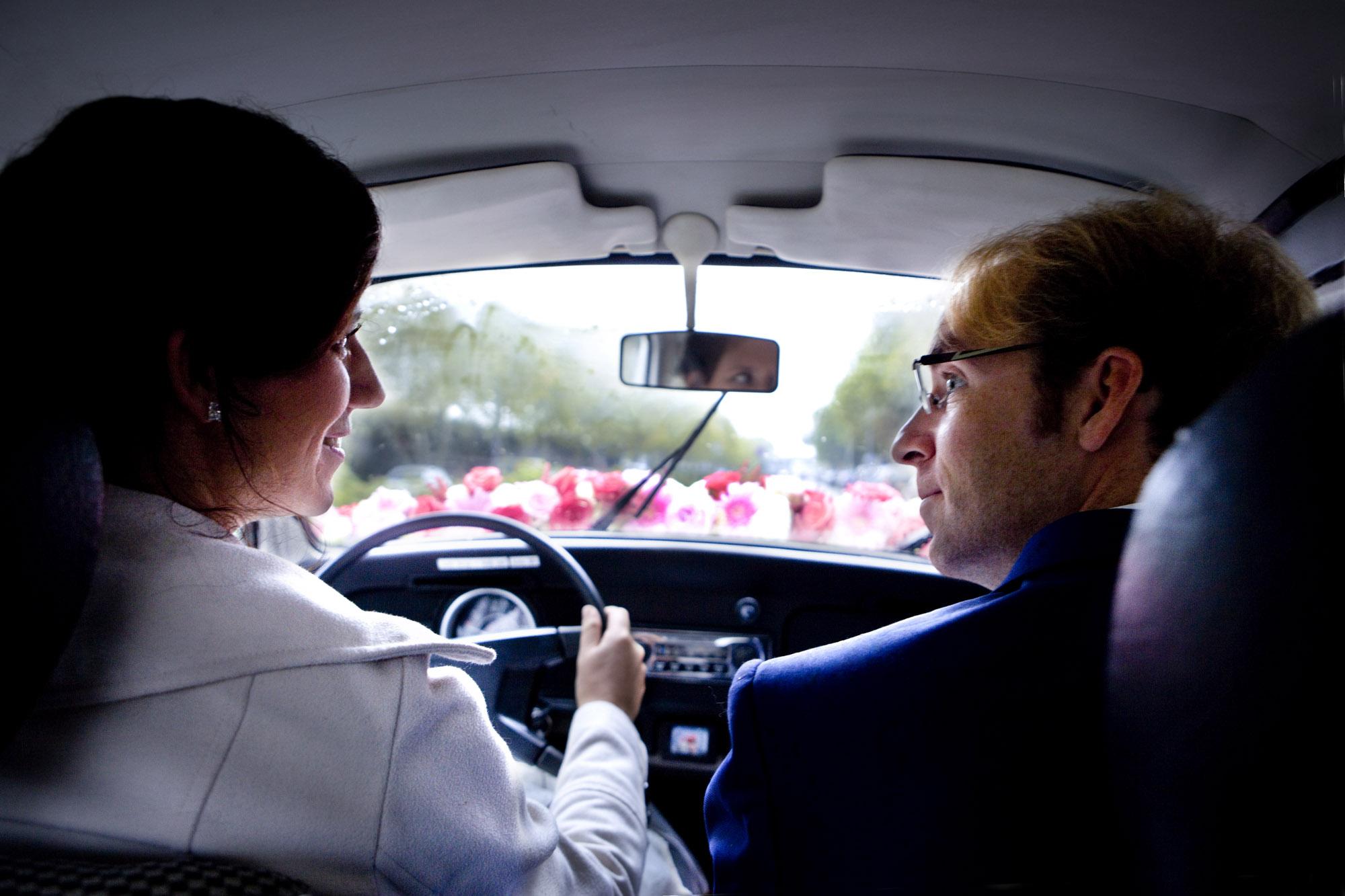 Trouwauto regen bruiloft Kuyl's Fundatie Rotterdam