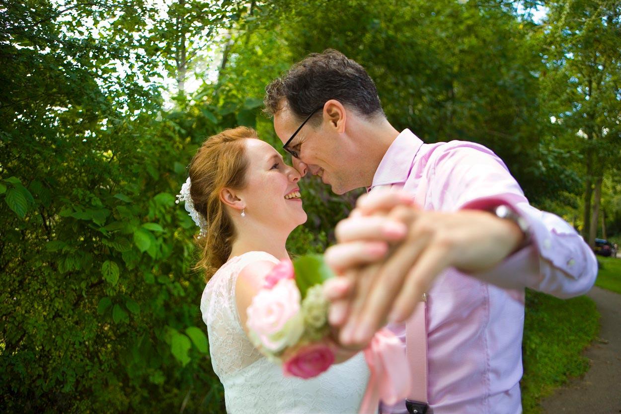 bruiloft trouwreportage bruidspaar Westerpark Zoetermeer dans
