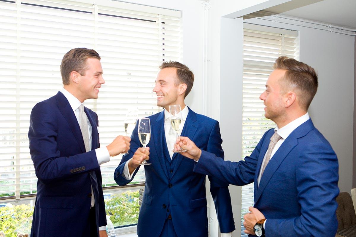 Proosten bruiloft Raadhuis Leidschendam en Witte Paard Nootdorp binnen