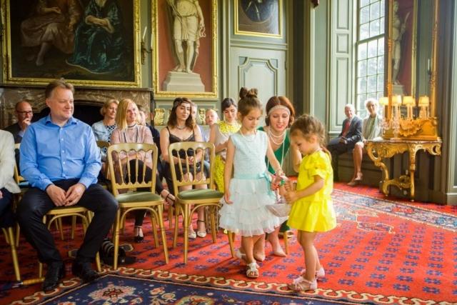 bruidsmeisjes ceremonie Marotzaal Kasteel Duivenvoorde Voorschoten